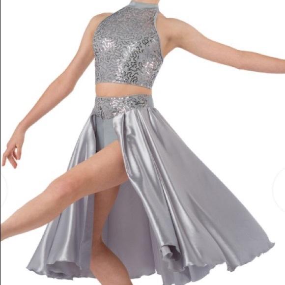 Grey contemporary costume